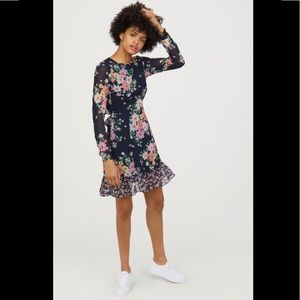 NWT💫H&M Dark Navy Floral Chiffon Dress